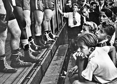 © Walter Vogel_Düsseldorf, Boxerbeine, 1956