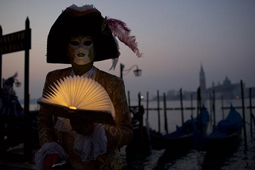 JohnMcDermott_Venice2019_KostuemMaske