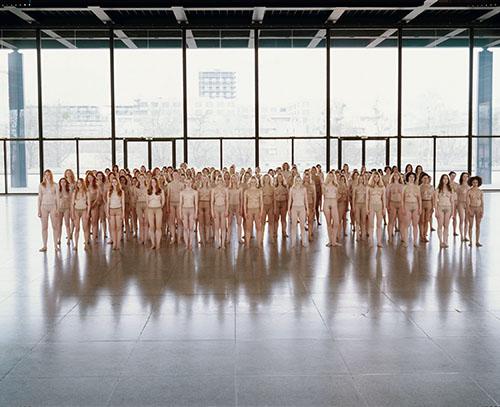 Vanessa Beecroft, VB55-Performance, Neue Nationalgalerie, Berlin 2005 © Vanessa Beecroft