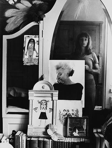 adk19_Helga_Paris_Selbst im Spiegel_1971