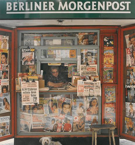 09_MF_Ludwig_Windstosser_Zeitungsfrau