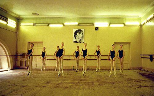 59_Peter Dammann_Russland_Waganowa-Ballettakademie in St. Petersburg_1999©Peter Dammann Estate