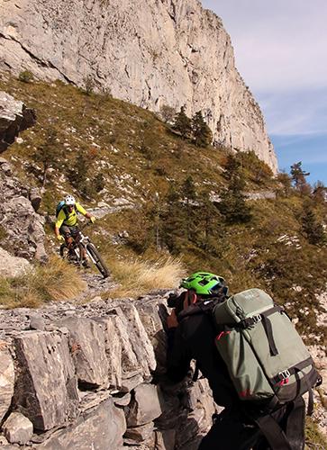 Leica Natur @Markus Greber beim Mountainbike Shooting kompr