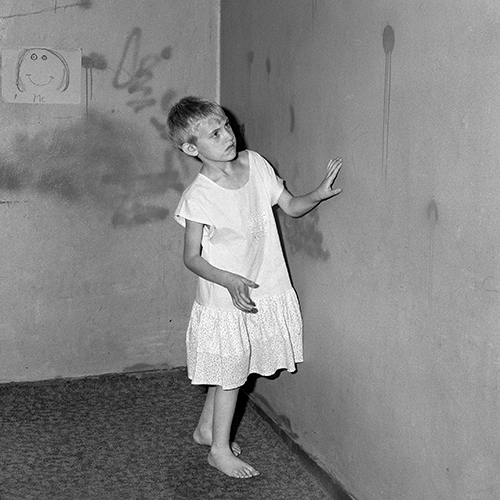 Roger Ballen, Girl in white dress, 2002