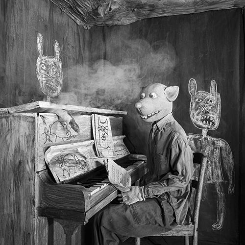 Roger Ballen, Smoked Out, 2020