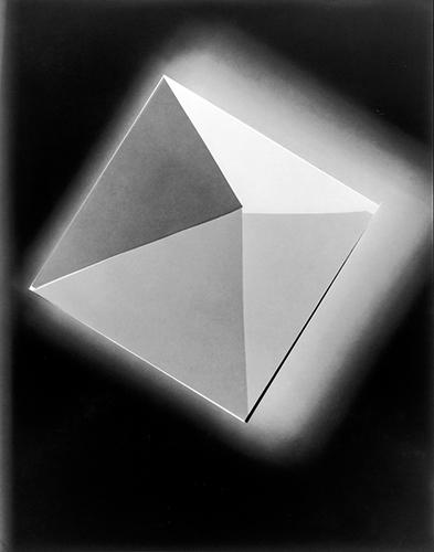 Vo Tine Edel, Die vier Wände © Tine Edel, Vonovia Award für Fotografie (3. Preisträgerin Beste Fotoserie 2020) 11