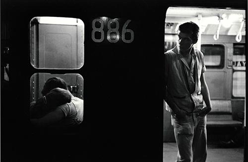 if Bruce-Davidson_subway-brooklyn-gang_1959