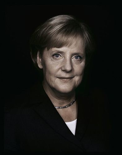 Andreas_Muehe_Angela_Merkel_Portrait_2009_6dd4438708