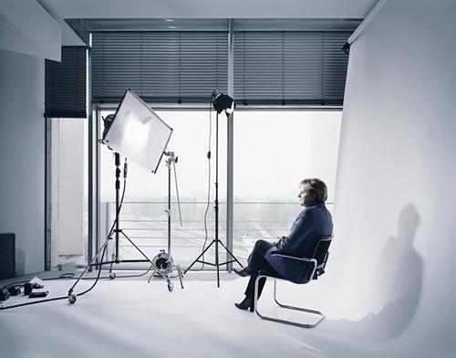 Andreas_Muehe_Merkel_Portrait_Studio_2011_3a026c26d4