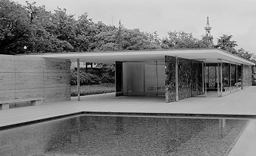 Klaus Kinold, Ludwig Mies van der Rohe, Barcelona Pavillon, photographed in 1992, Copyright Mies van der Rohe VG Bild-Kunst, Bonn 2021
