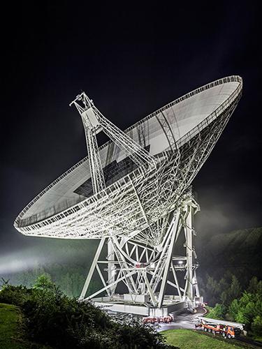 DGPh Nachtaufnahme des Radioteleskop EffelsbergJ.Wiebusch72dpi