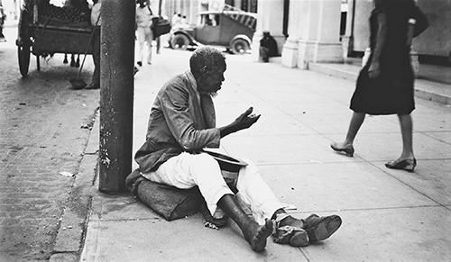 Evans Taf. 24 Straßenbettler mit ausgestrecktem Arm, Havanna, 1933