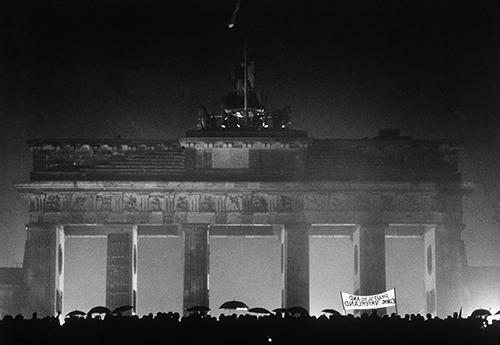 HZ21_barbara_klemm_Oeffnung des Brandenburger Tors_1989