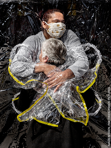 World Press Photo of the Year Nominee_Online_Mads Nissen_Politiken_Panos Pictures