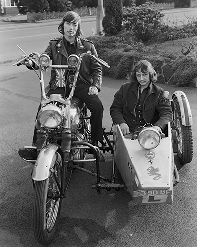 Zusammen abb_10_john_myers__motorcyclist_and_combination__1973_c_john_myers