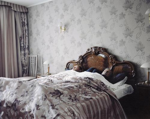 Tom Licht, U201eVater, Sohn Und Der Krieg, Hotel In Minsk (Weißrussland), Km  1480u201d, 20.09.2013 © Tom Licht
