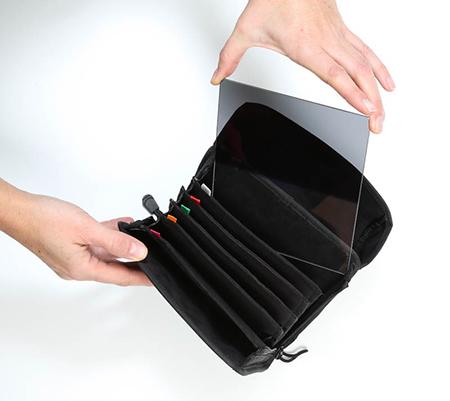 5cd0b12c0da56 ... fusselfreiem Material gefertigten Einsteckfächer der Taschen sind extra  hoch geschnitten