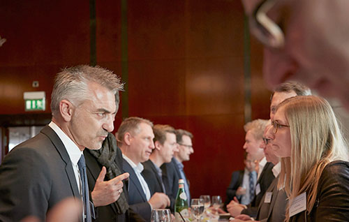 02_Networking_700x450-