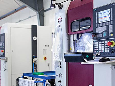 meyer-optik-moderne-produktion