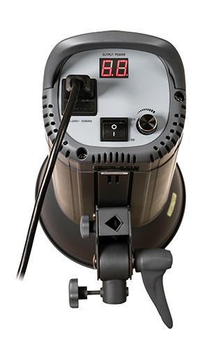 HELIOS-LED-150s-Performance-Studioleuchte-04