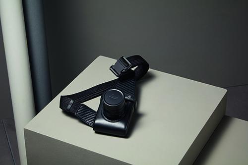 Zegna LEICA_C_TAPPO_LeicaCamera_Zegna_2020_HolsterNero_CMYK